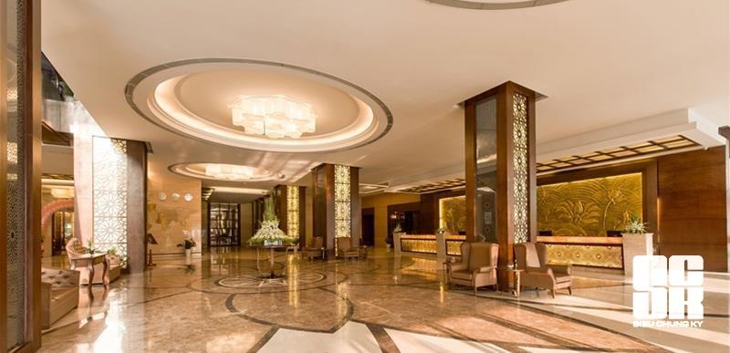 Sảnh khách sạn Mường Thanh Sông Lam do Công ty Cổ phần Siêu Chung Kỳ tư vấn thi công lắp đặt.